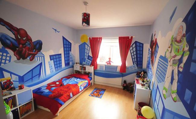 Phòng ngủ cho bé trai 12 tuổi họa tiết hoạt hình