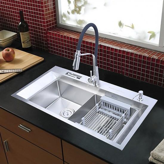 Chậu rửa chén được tạo nên từ nhiều chất liệu